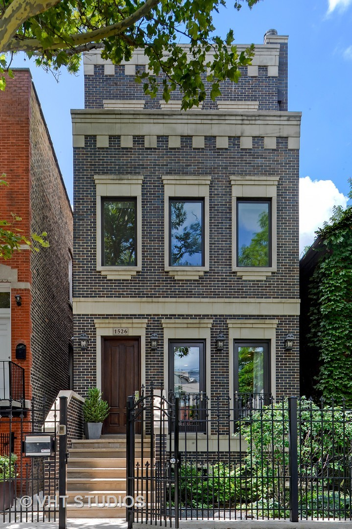 6 House in West Town