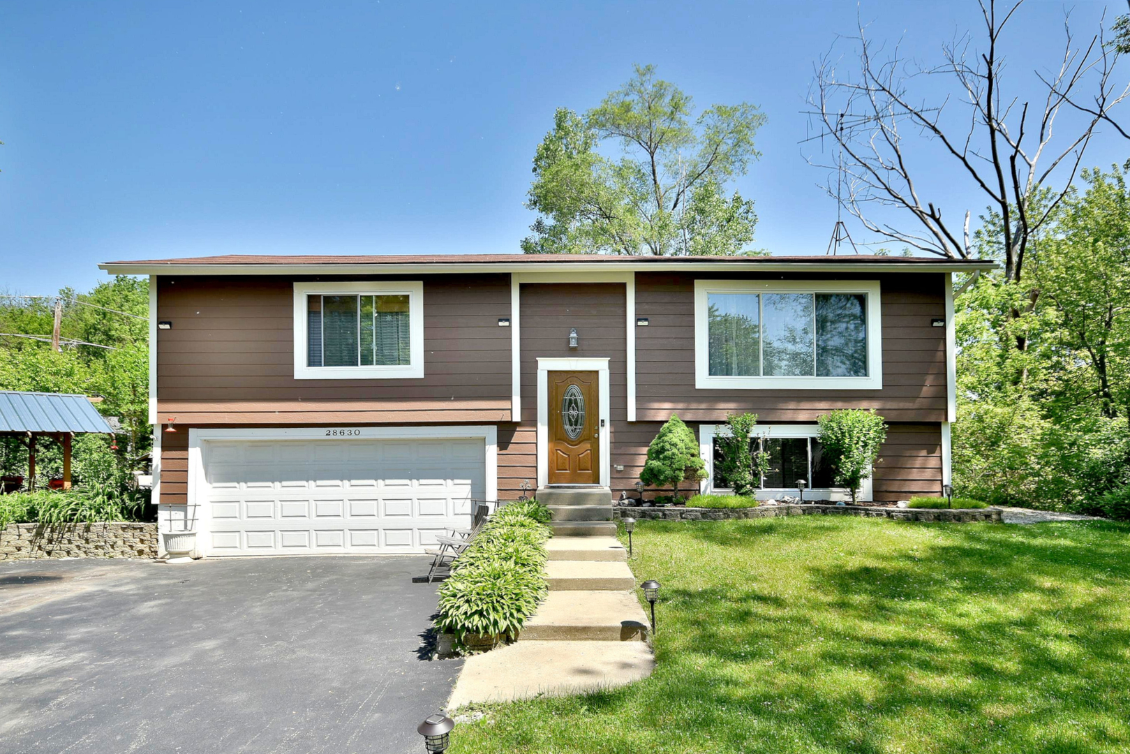 28630 West Kendall Avenue, Spring Grove, Illinois 60081