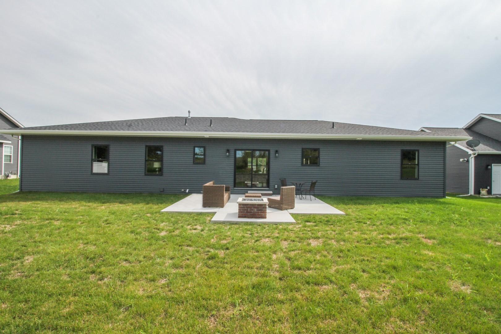 500 Raef, DOWNS, Illinois, 61736