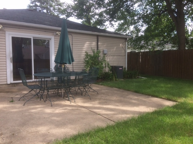 3413 Greenbriar, Glenview, Illinois, 60025