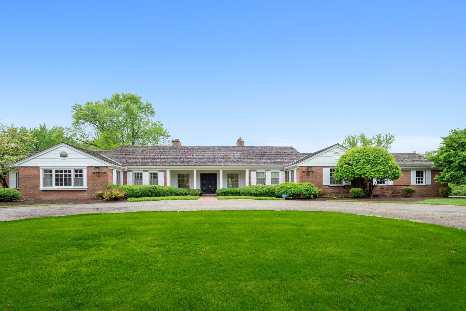 362 South Bateman Circle, Barrington Hills, Illinois 60010