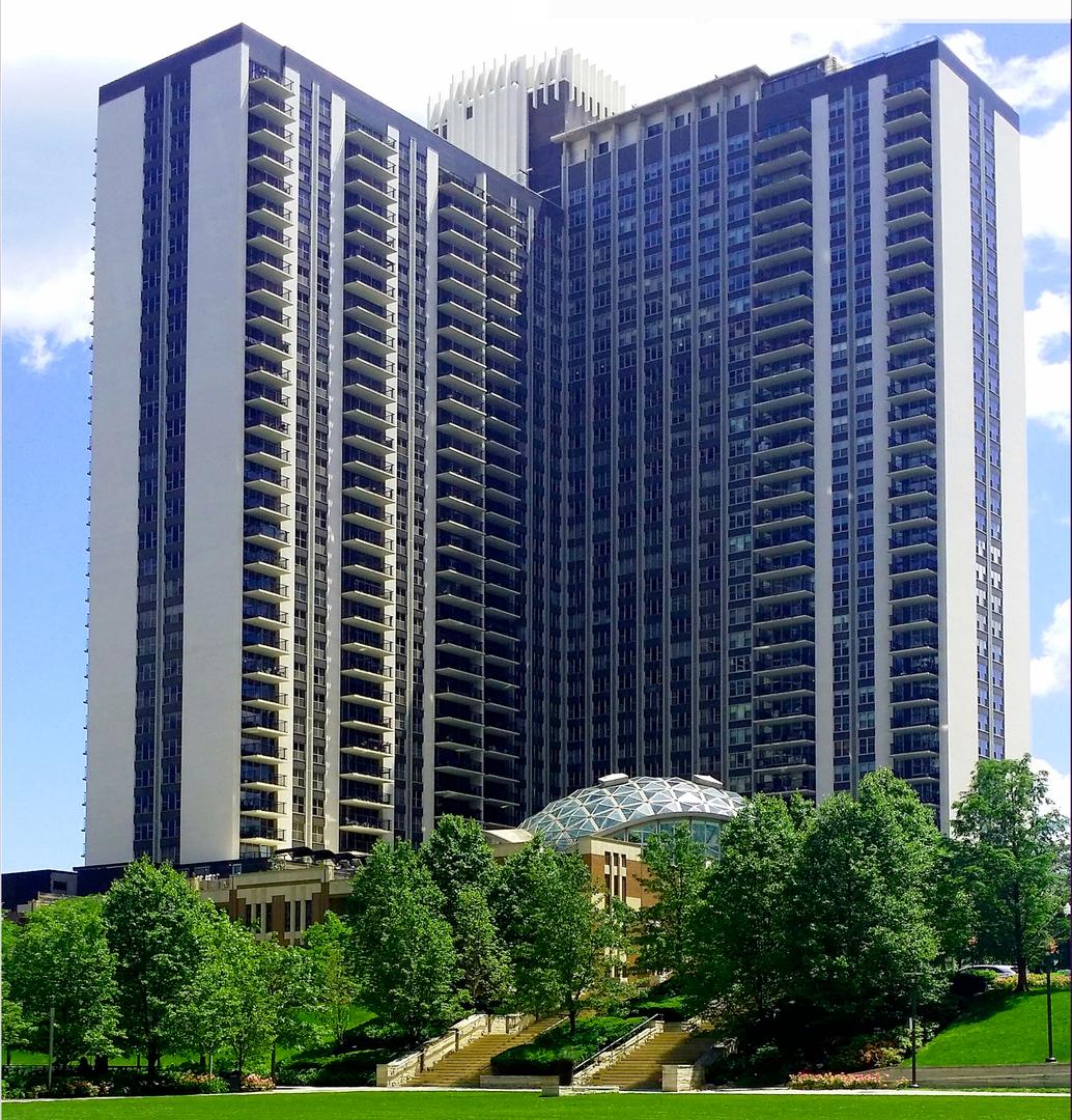 East Randolph St., Chicago, IL 60601