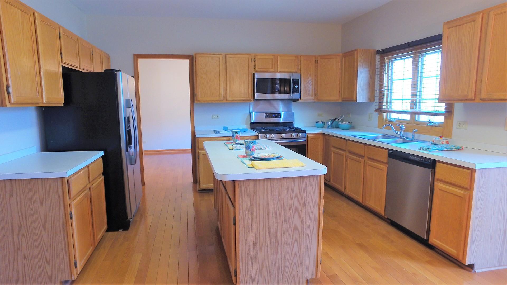 422 Yorkshire, Grayslake, Illinois, 60030