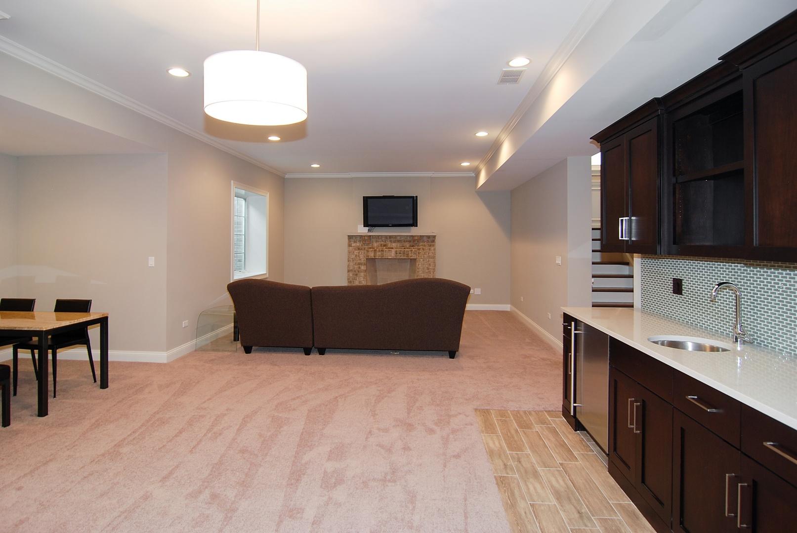 920 South Kensington, La Grange, Illinois, 60525