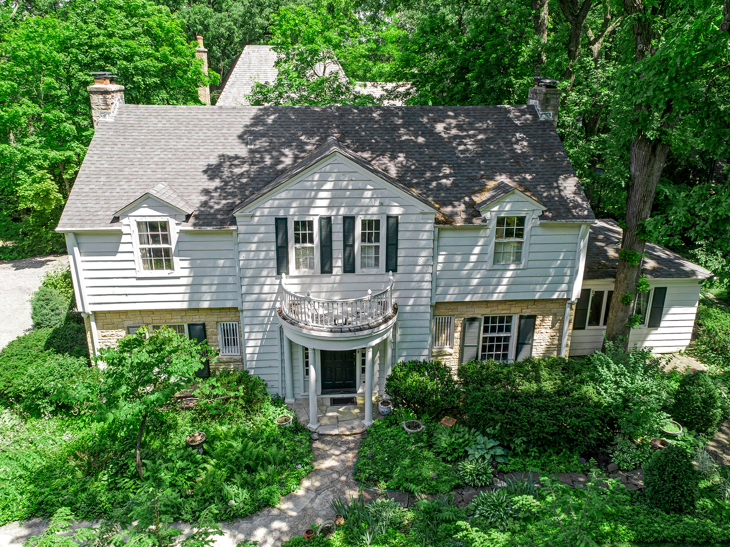 429 South County Line Road, Hinsdale, Illinois 60521