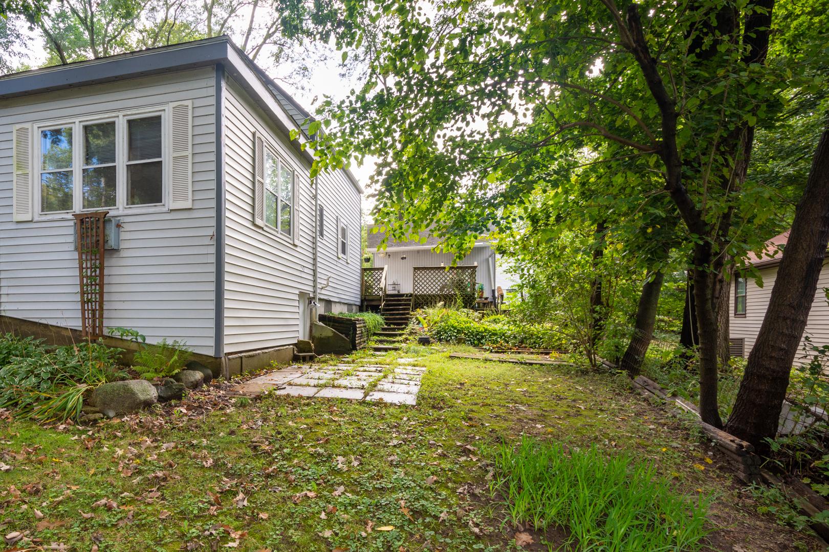 39210 North Jackson, Spring Grove, Illinois, 60081