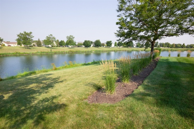 21219 Bluebill Lake, Crest Hill, Illinois, 60403