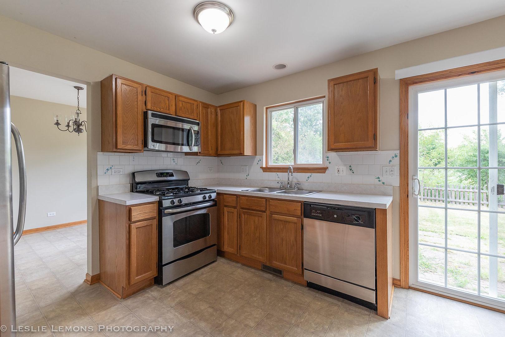 2335 Woodoak, ROUND LAKE BEACH, Illinois, 60073