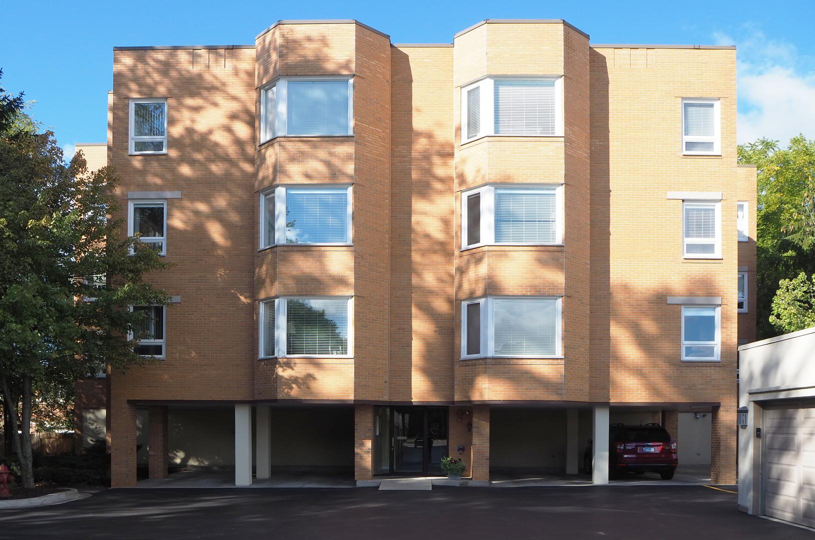 1635 N Milwaukee Avenue, Unit 304, Libertyville, Il 60048