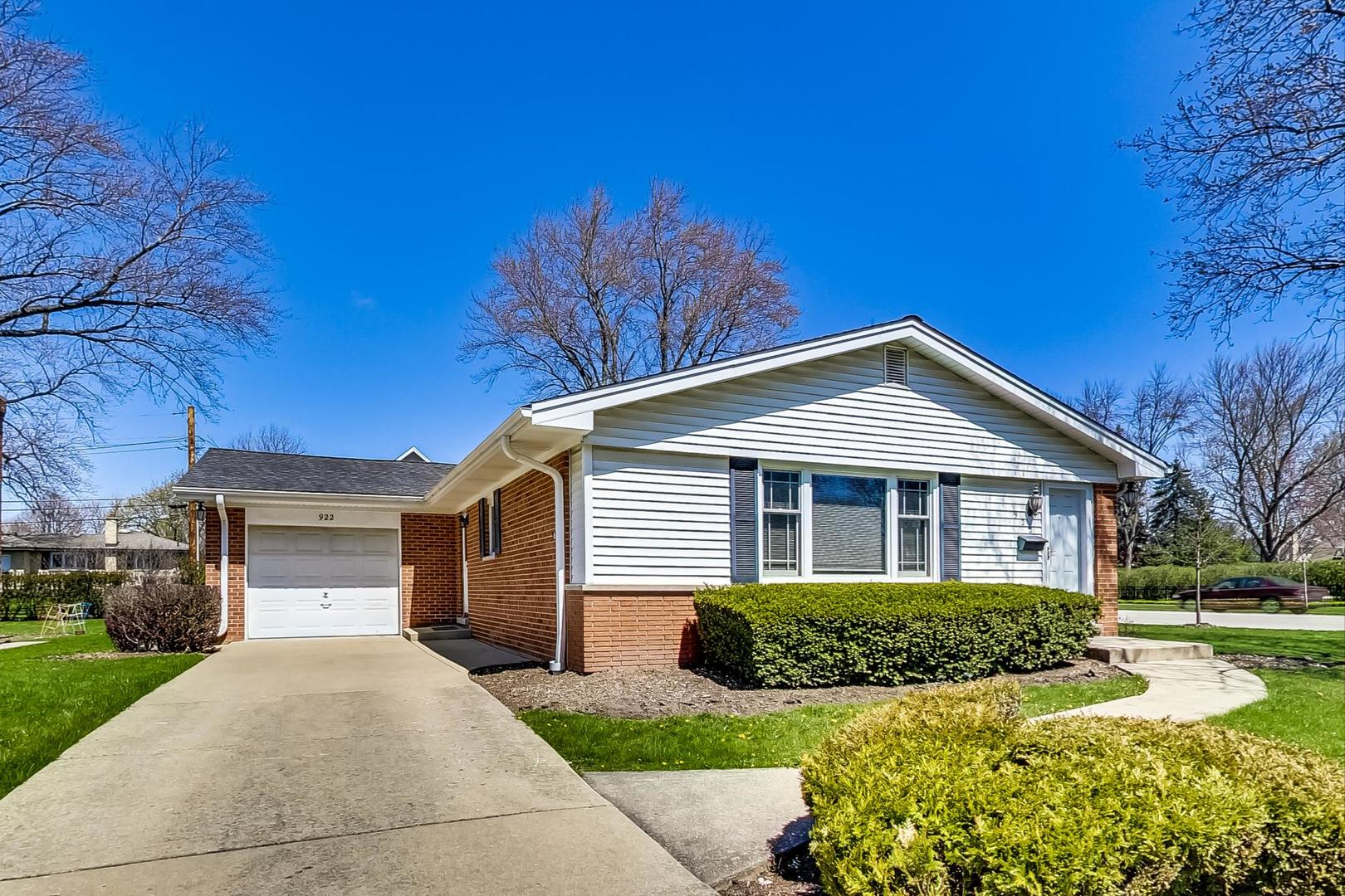 922 E Jules Street, Arlington Heights, Il 60004