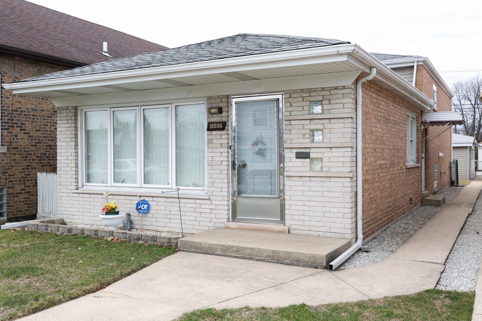 13236 S Avenue N Exterior Photo