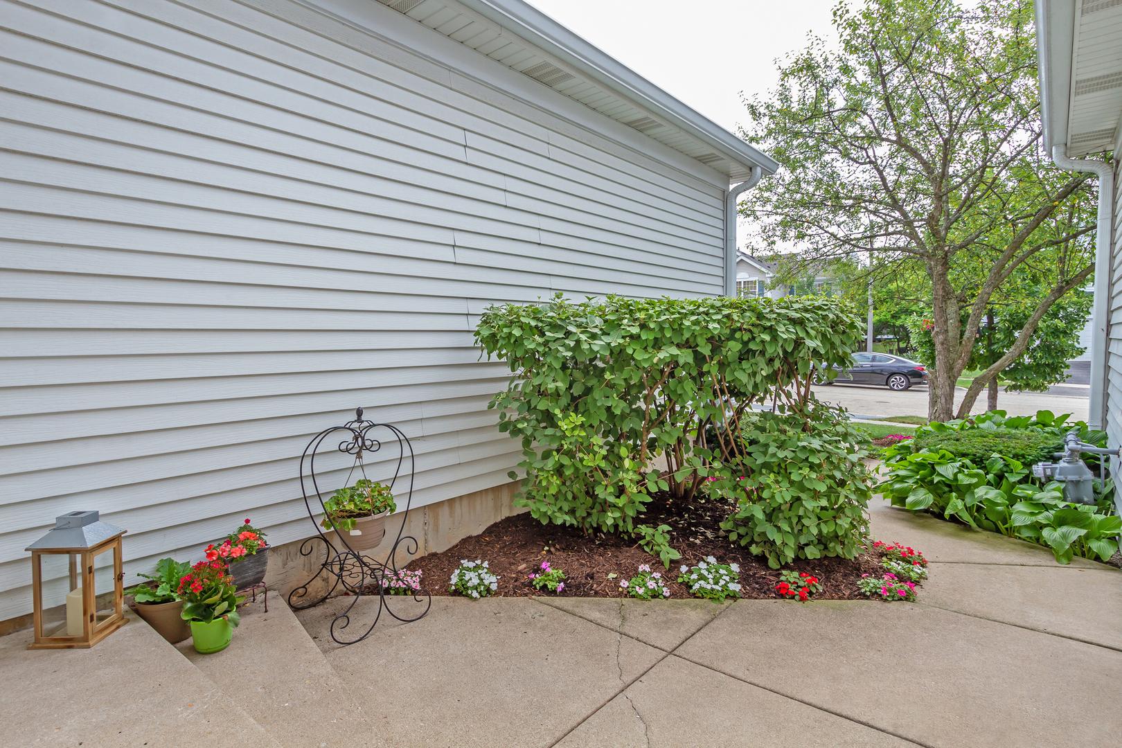 1422 Walnut Hill, ST. CHARLES, Illinois, 60174
