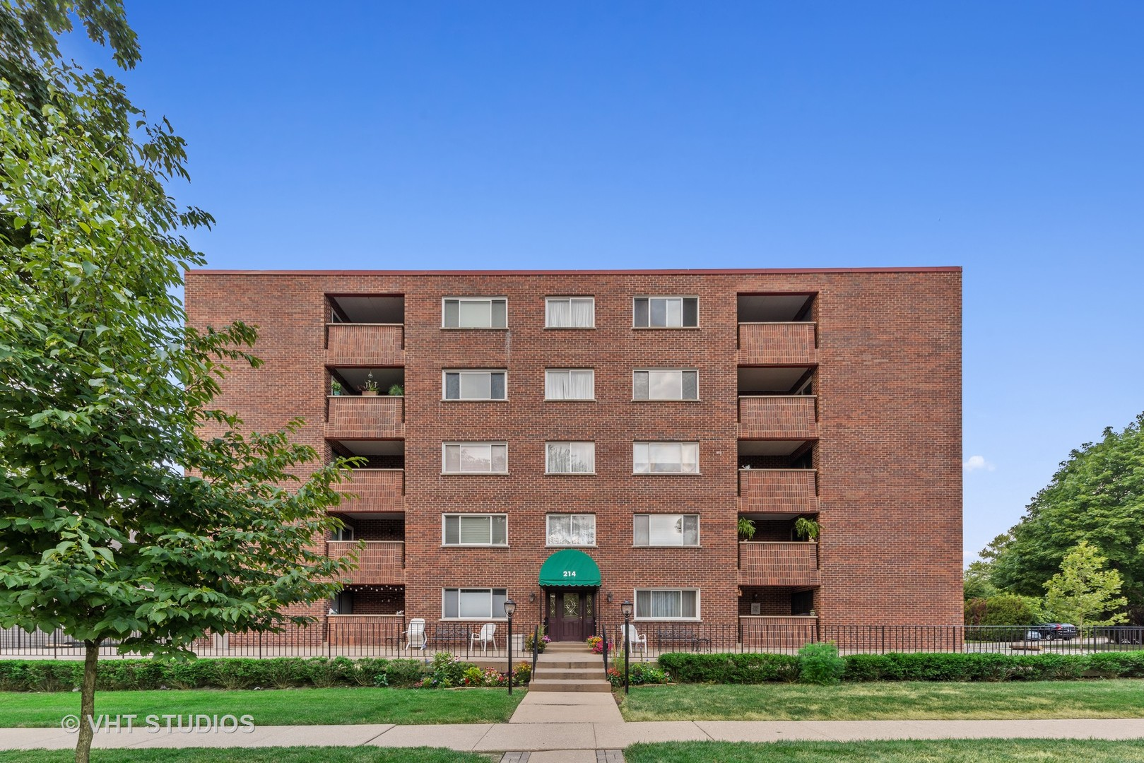 214 N Pine Avenue, Unit 4d, Arlington Heights, Il 60004