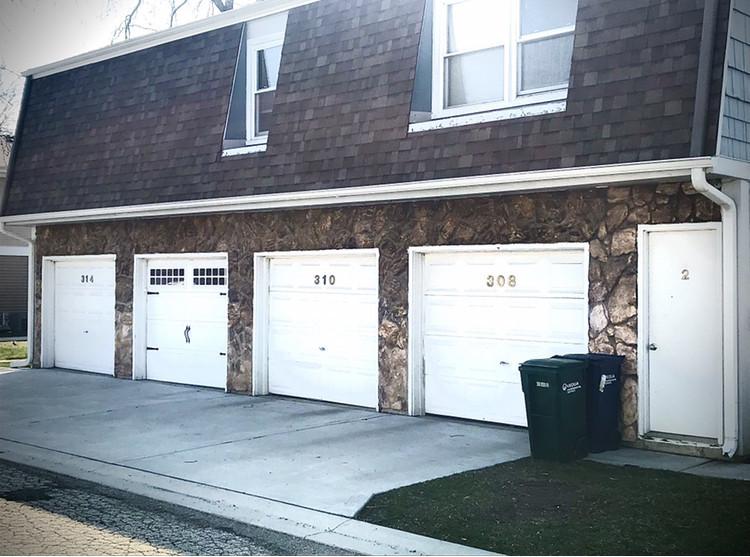310 Farmingdale Circle, Unit 203, Vernon Hills, Il 60061
