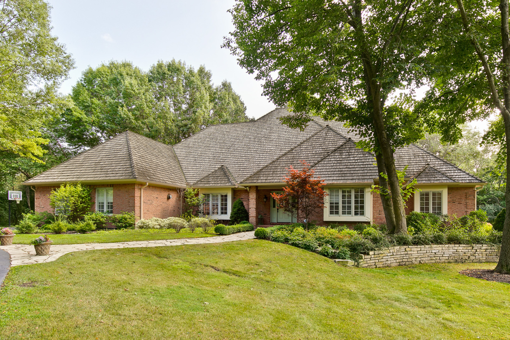381 Belle Foret Drive, Lake Bluff, Illinois 60044