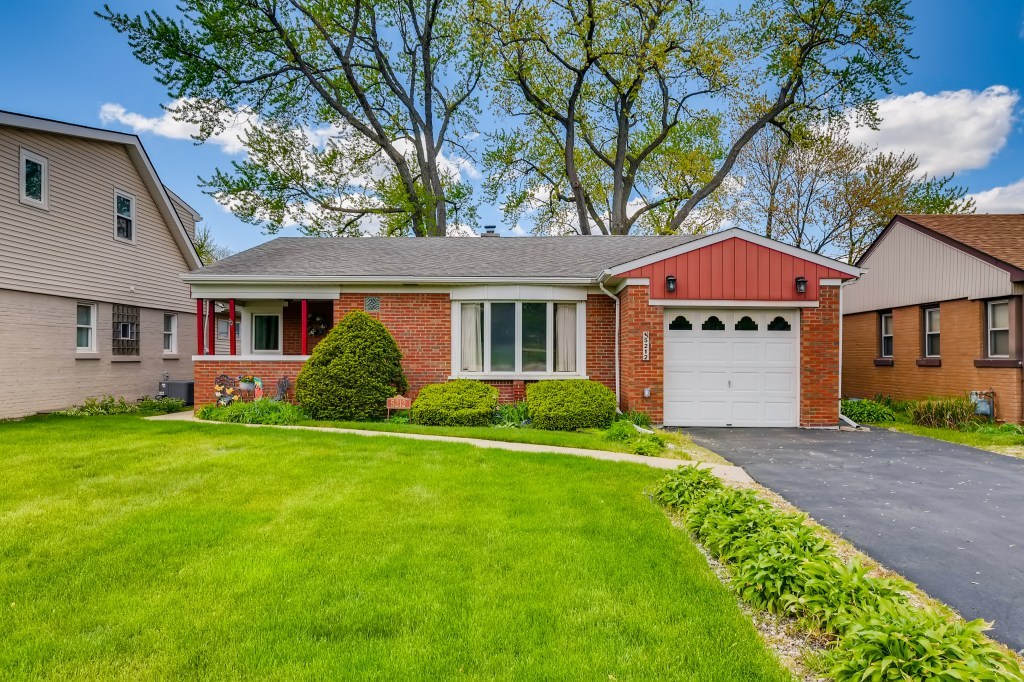 5212 Wolf Road, Western Springs, Il 60558