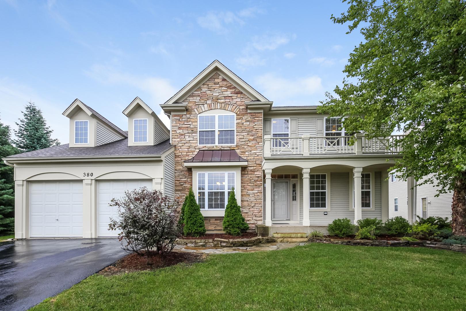 380 Cross Creek Lane, Lindenhurst, Illinois 60046