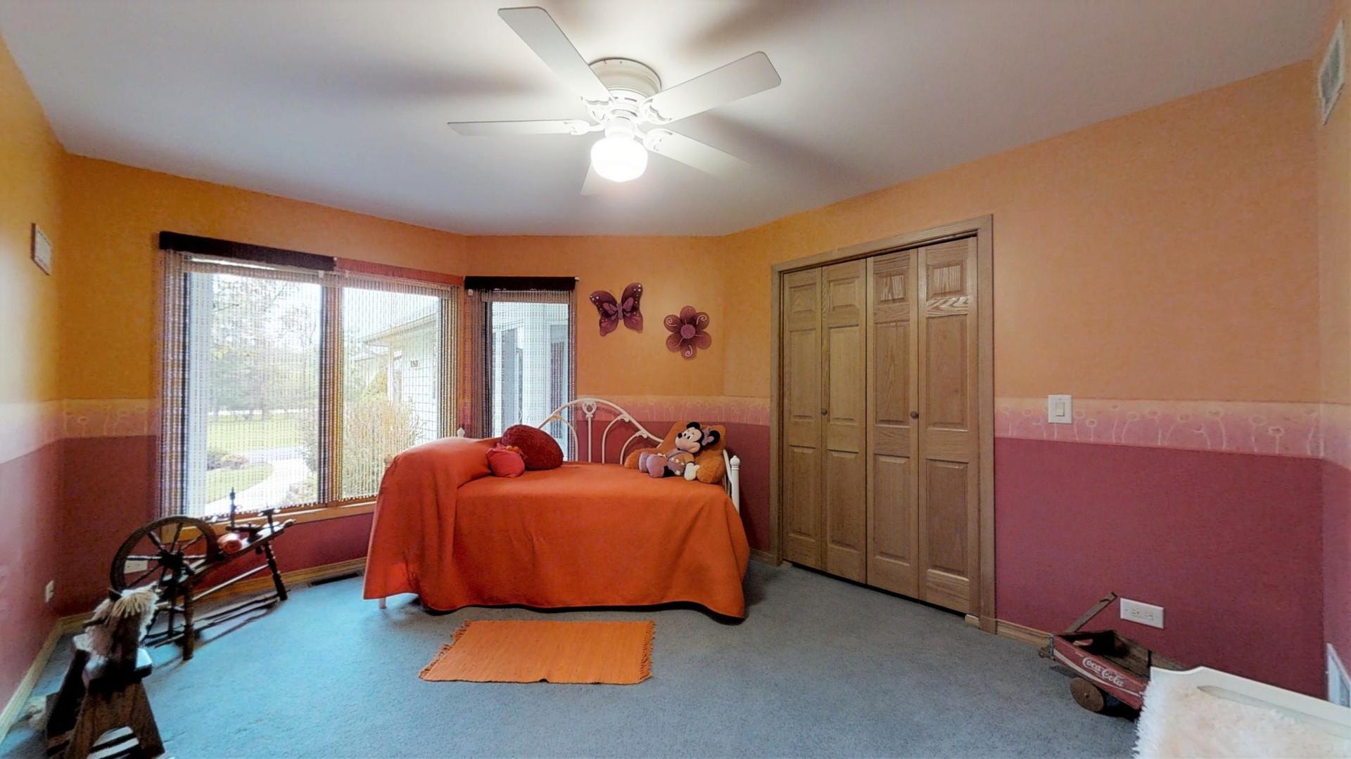 10601 Michigan, Spring Grove, Illinois, 60081