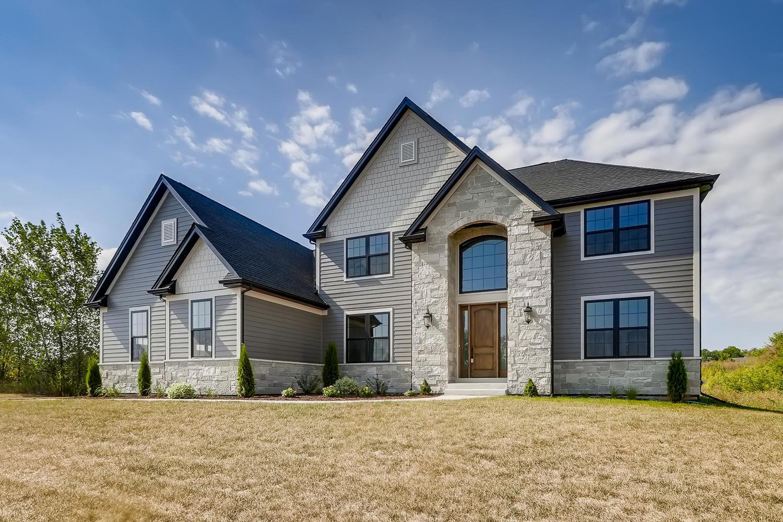 979  Redbud,  Sugar Grove, Illinois