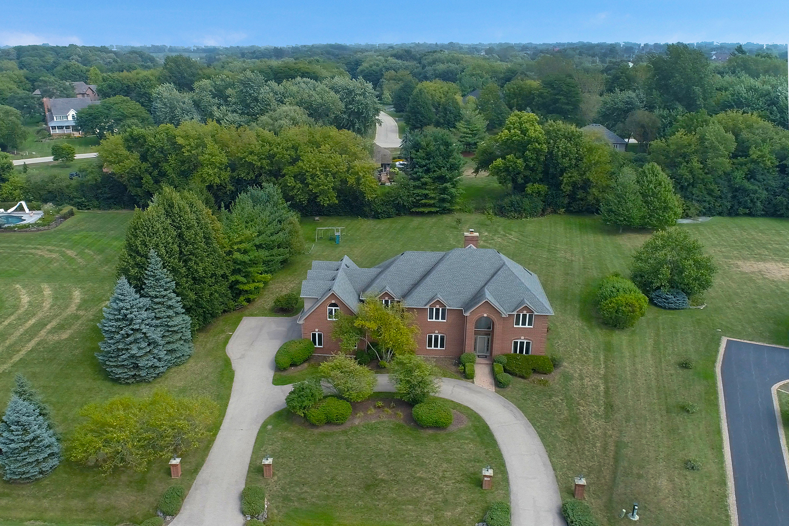 37 Copperfield Drive, Hawthorn Woods, Illinois 60047