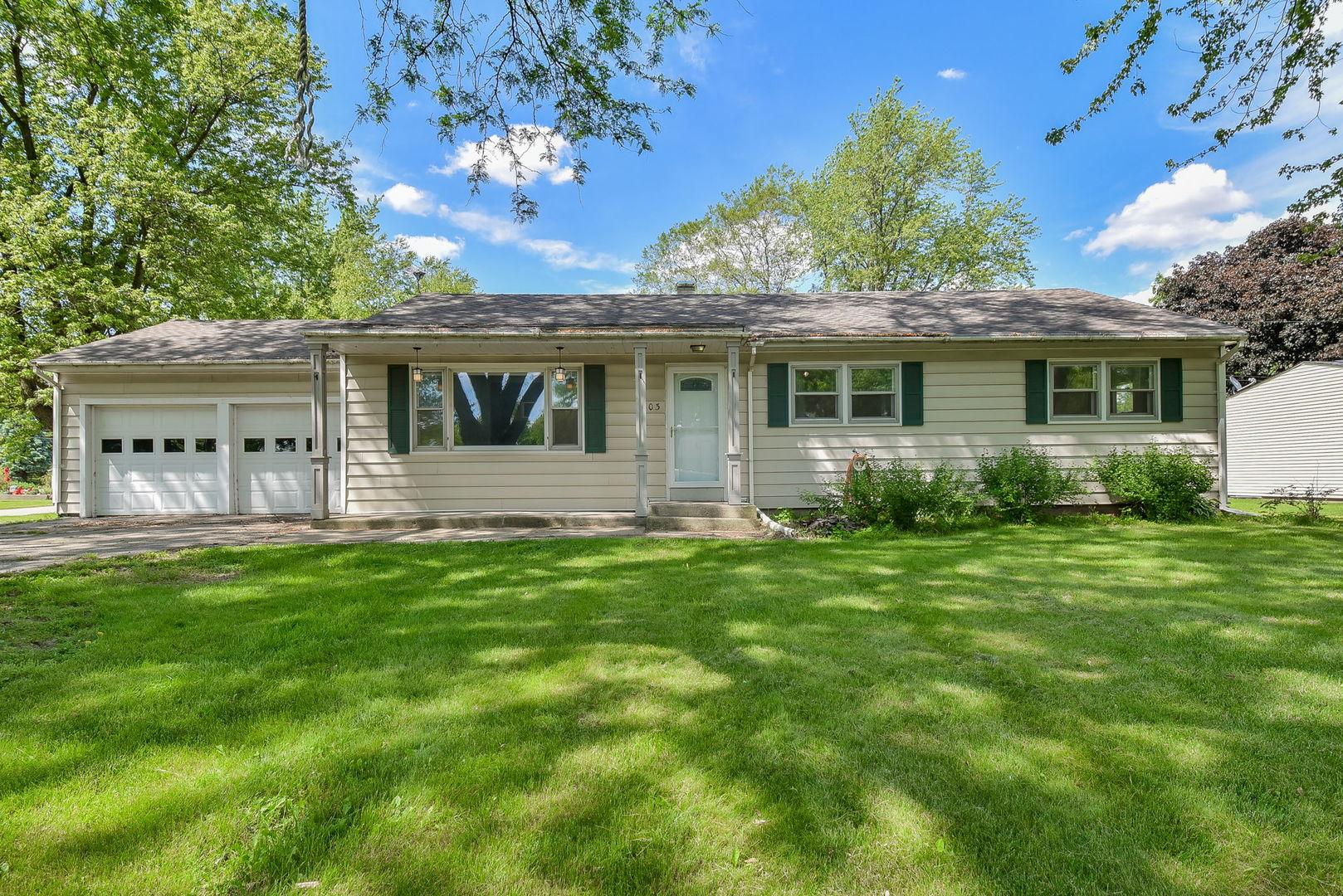 803  Willow,  Maple Park, Illinois