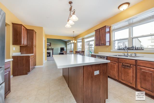 2045 Colonial, AURORA, Illinois, 60503
