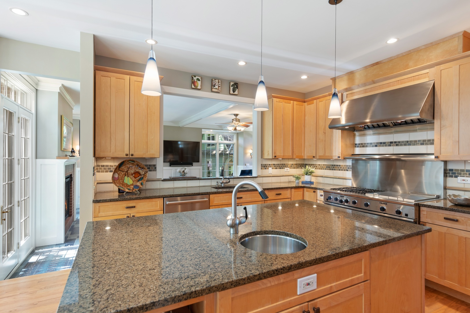 828 South GRANT, Hinsdale, Illinois, 60521