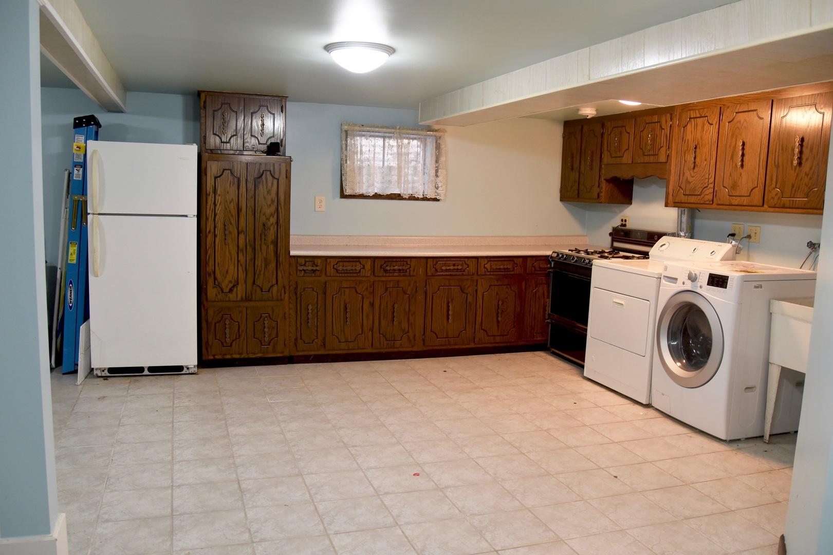 8447 Merrimac, Burbank, Illinois, 60459