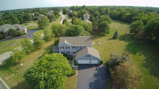 196 Sycamore Drive, Hawthorn Woods, Illinois 60047