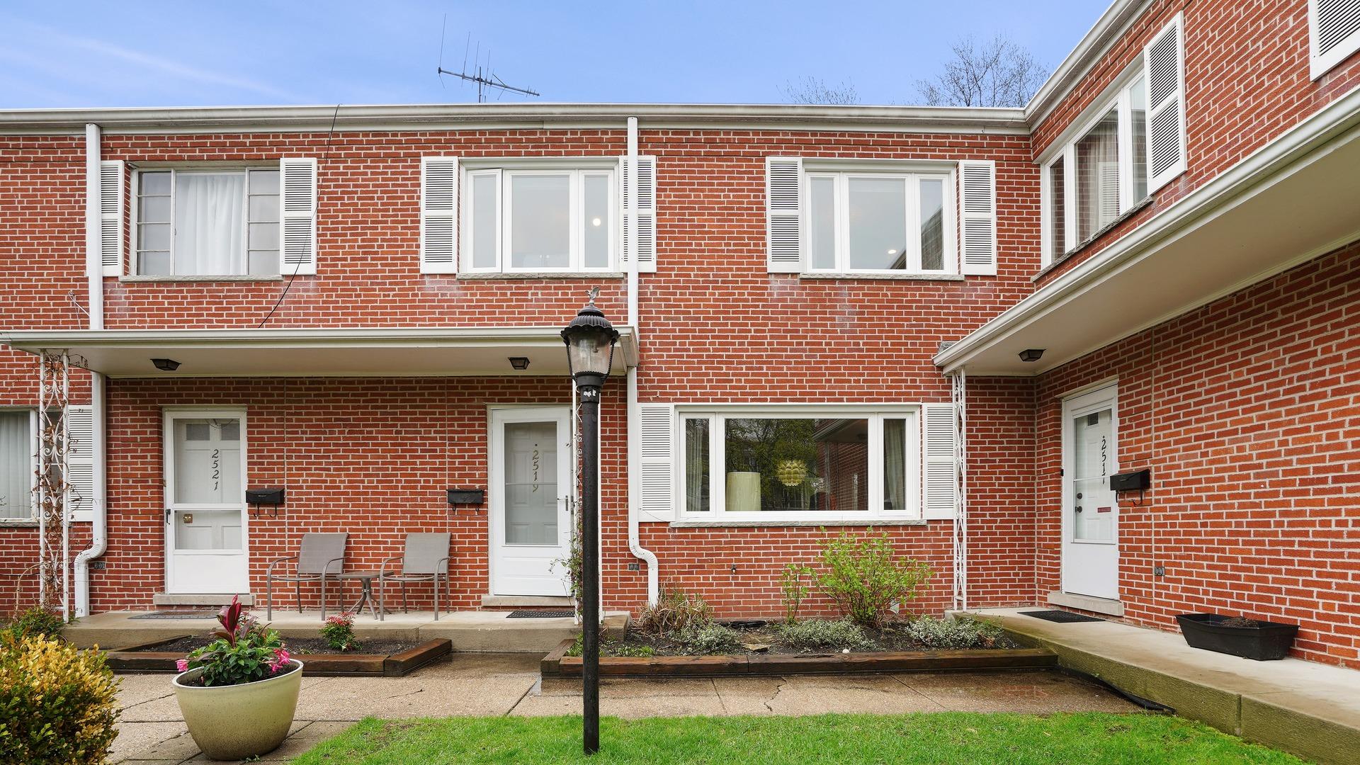 2519 Crawford, EVANSTON, Illinois, 60201