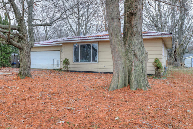 233 W Bodman st, Bement, Illinois, 61813