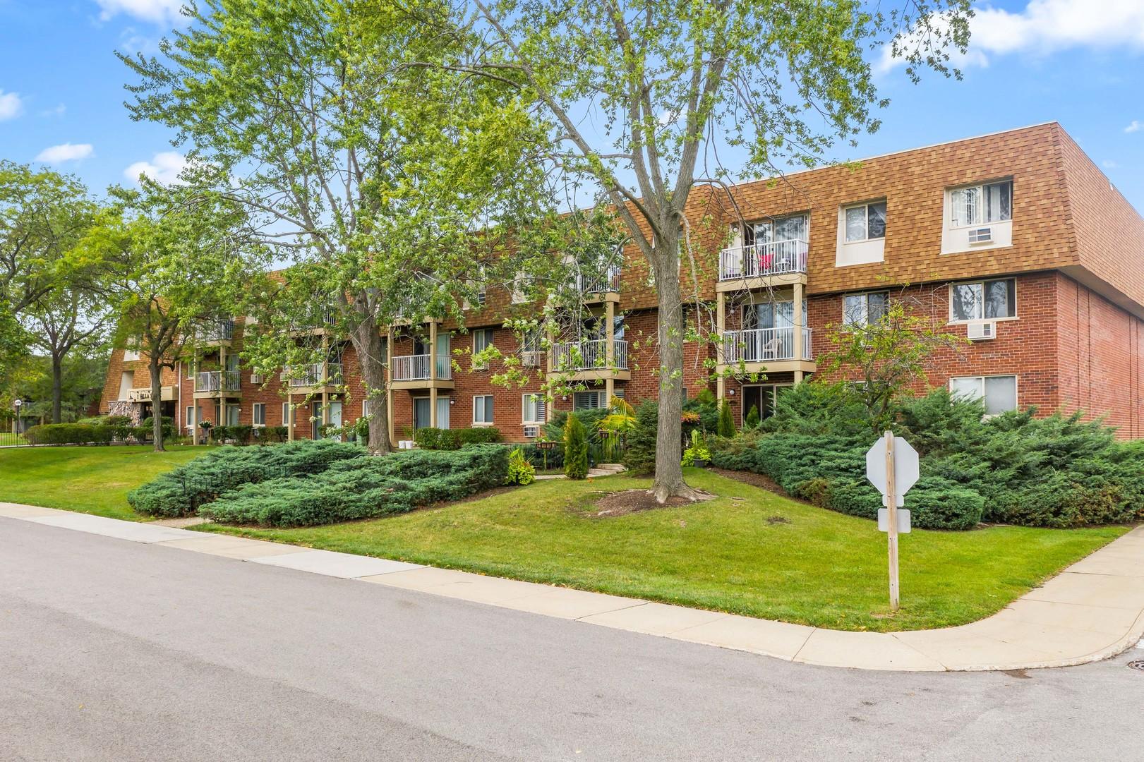 1 Villa Verde Drive, Unit 212, Buffalo Grove, Il 60089