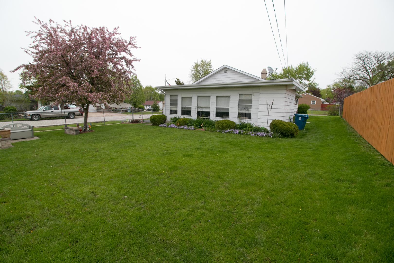 417 Edison, AURORA, Illinois, 60505