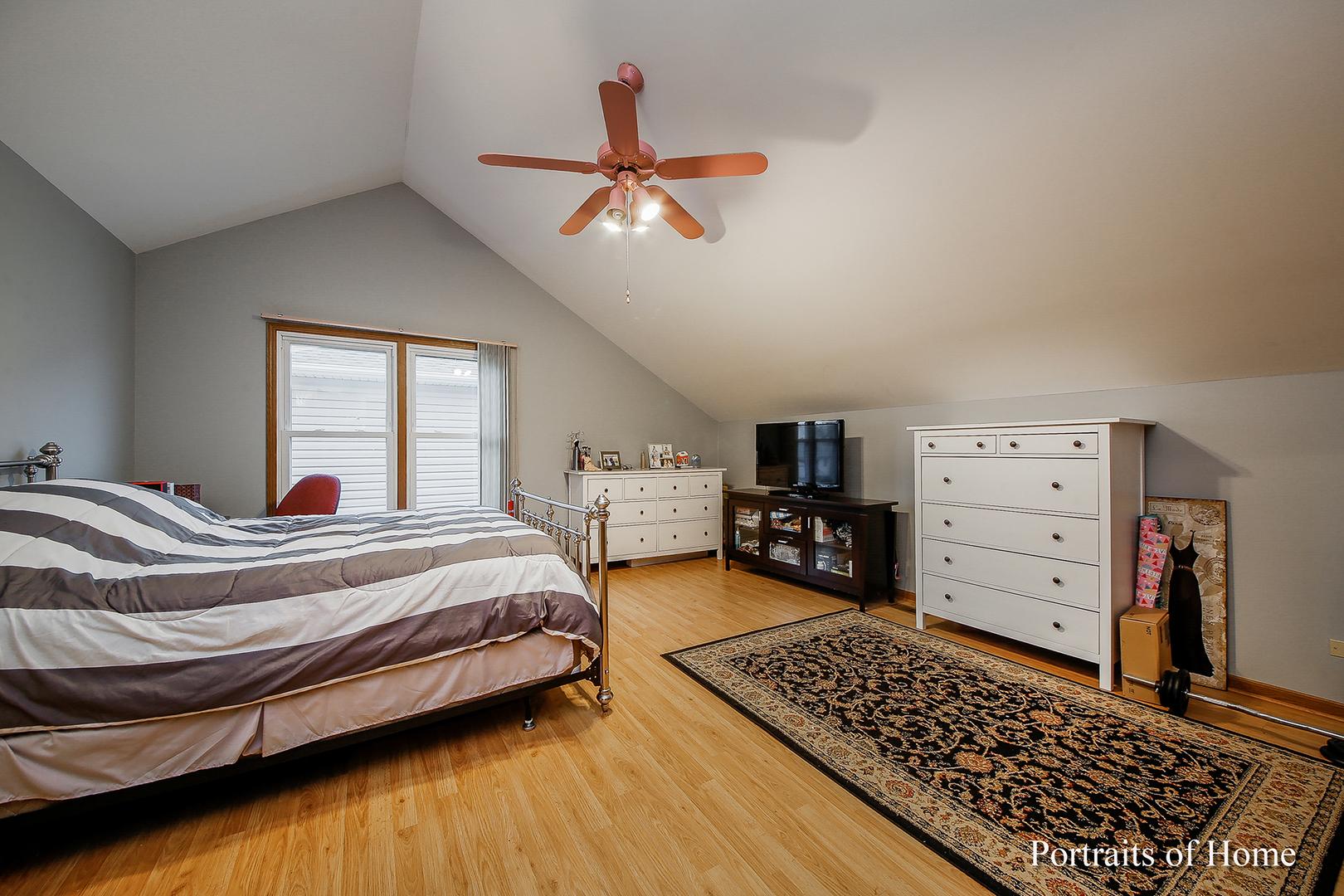 220 North Prospect, BARTLETT, Illinois, 60103