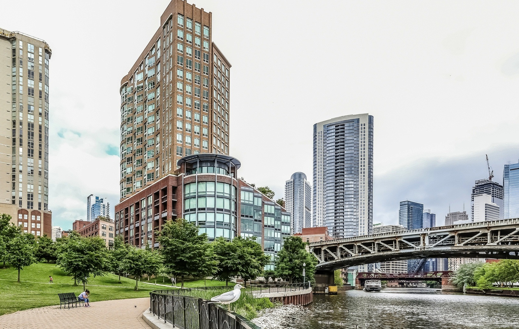 3 Condo in River North