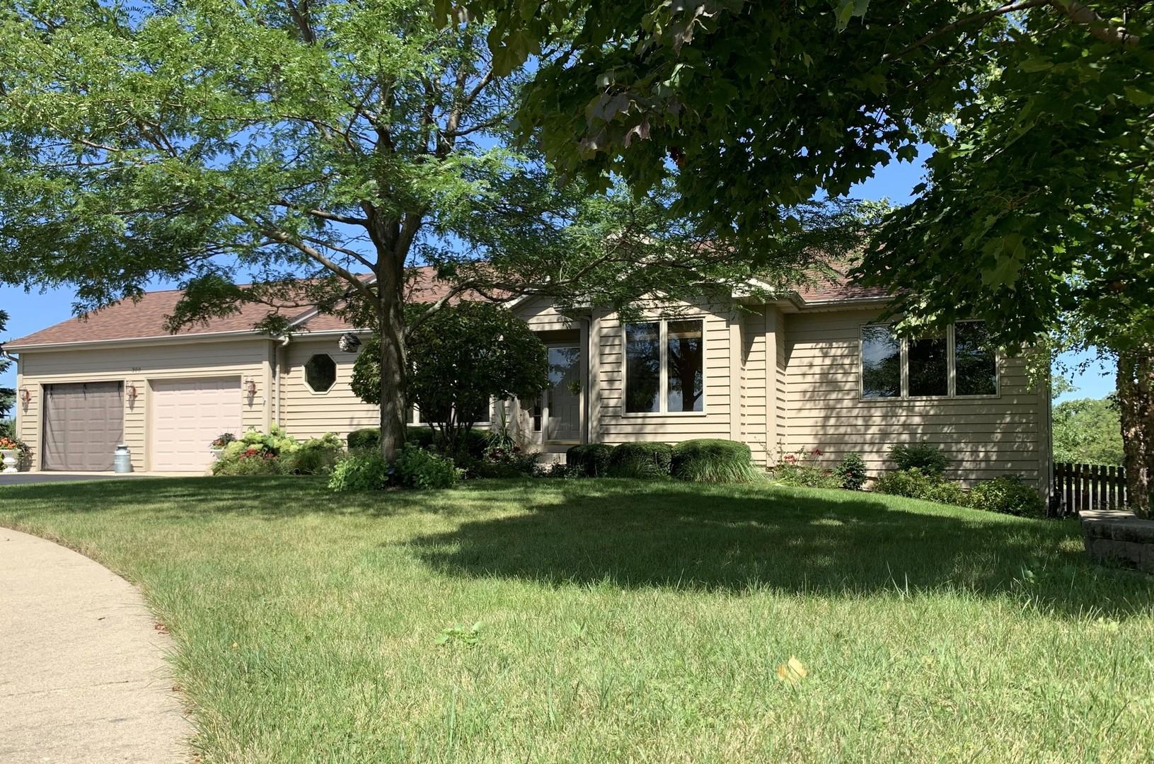 300 Blue Spruce Court, Lake Villa, Illinois 60046