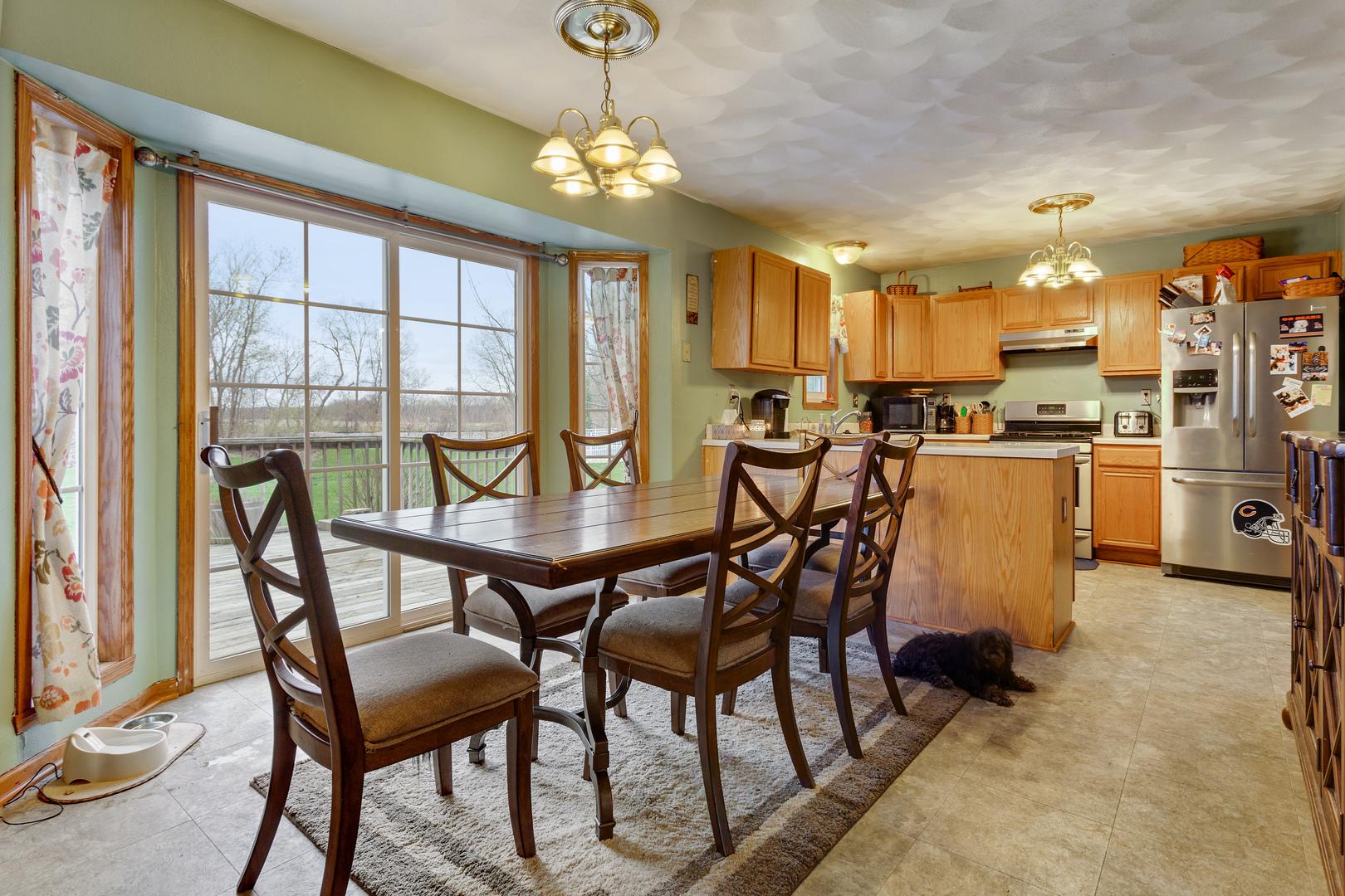 9457 River View, Roscoe, Illinois, 61073