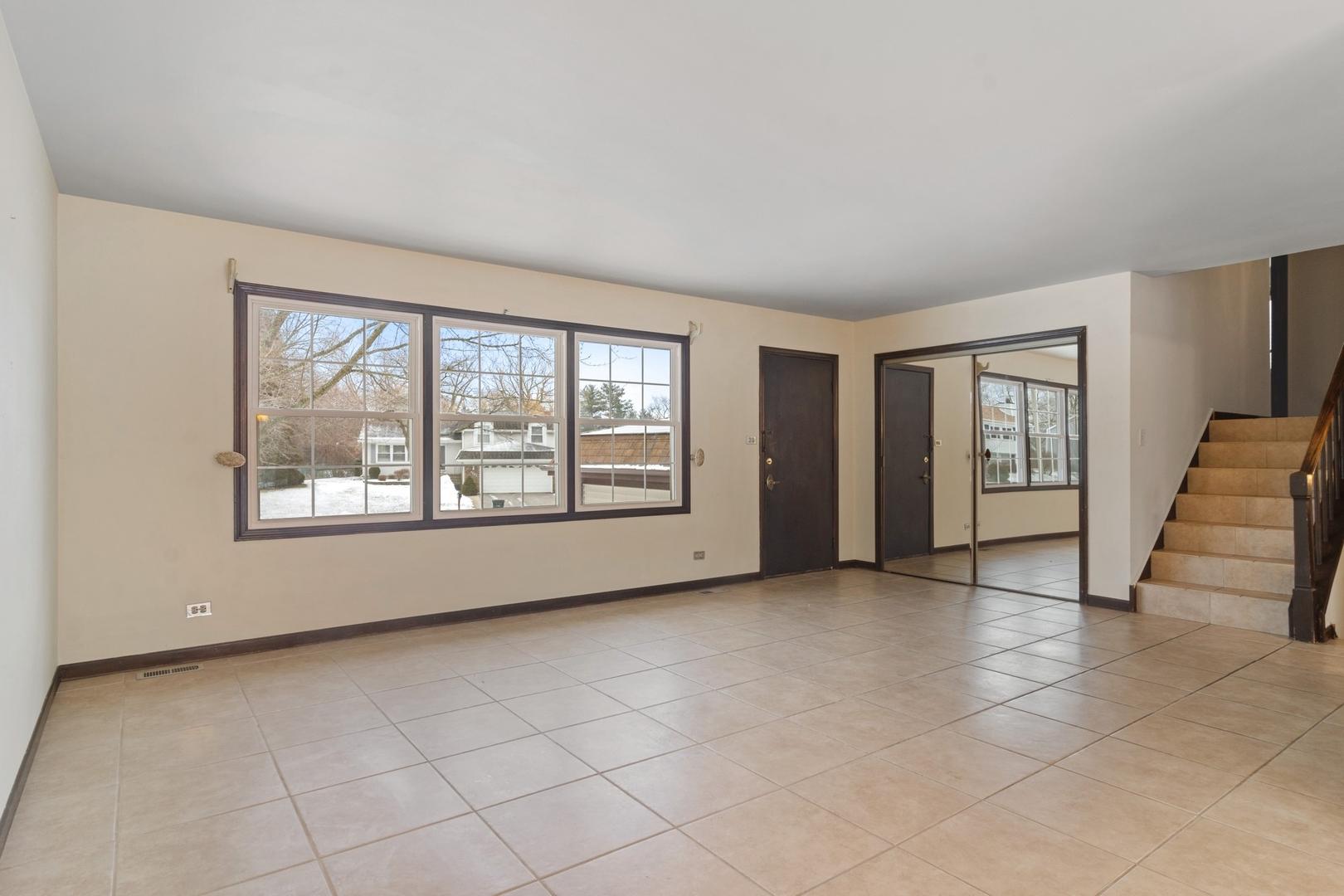 4512 Thornbark, Hoffman Estates, Illinois, 60192