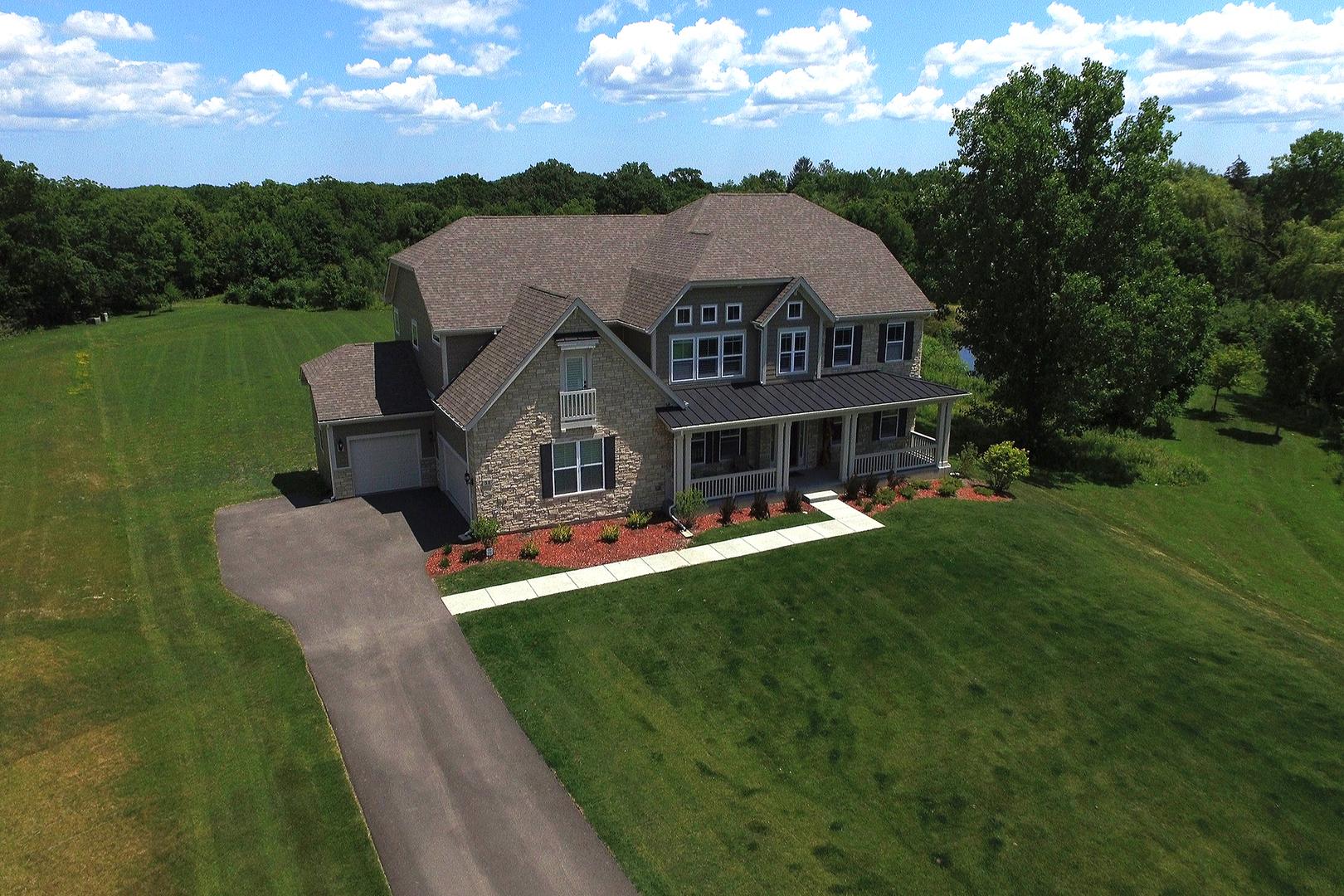 32 East Peter Lane, Hawthorn Woods, Illinois 60047
