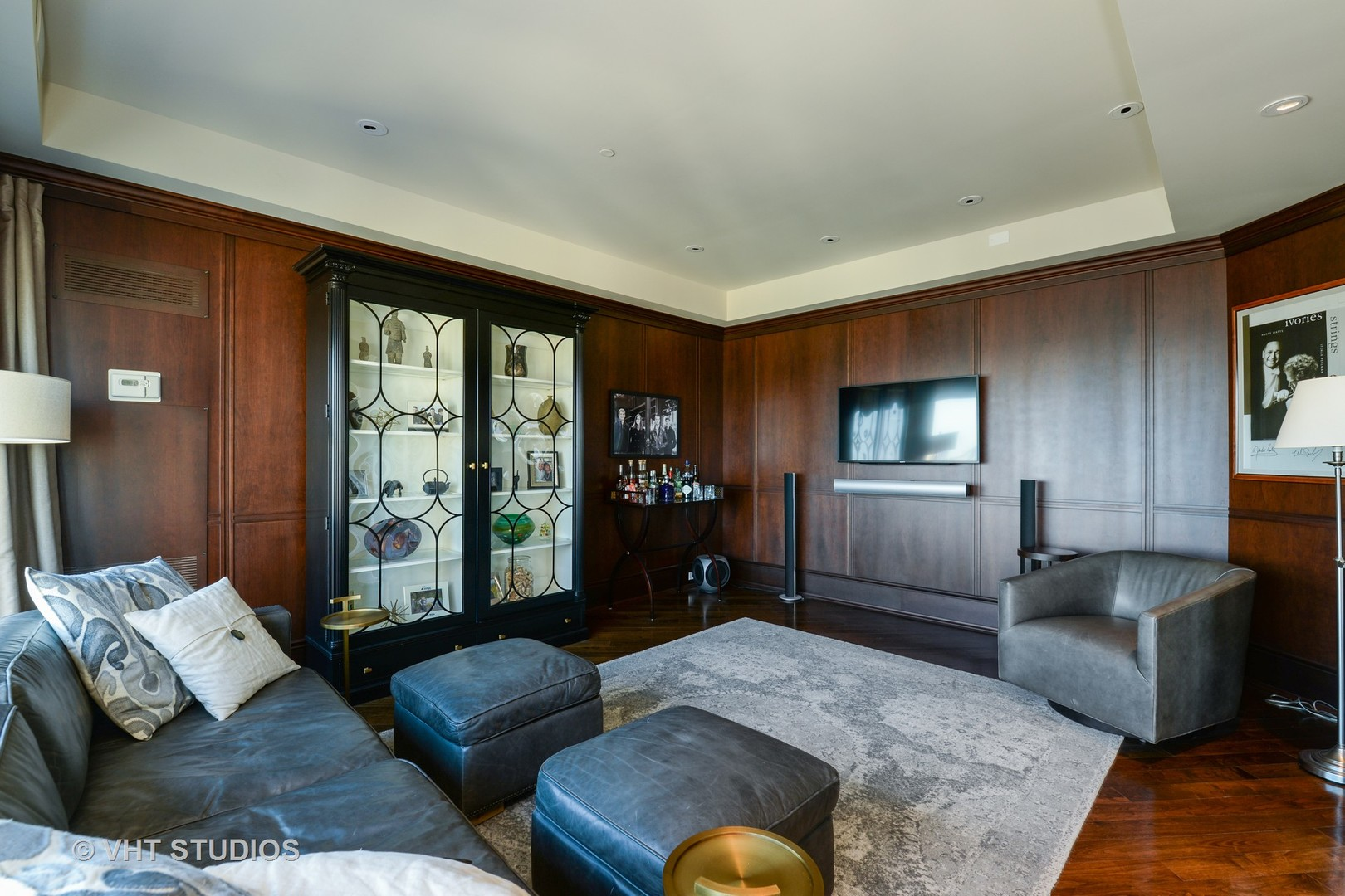 100 East Huron 3904, Chicago, Illinois, 60611