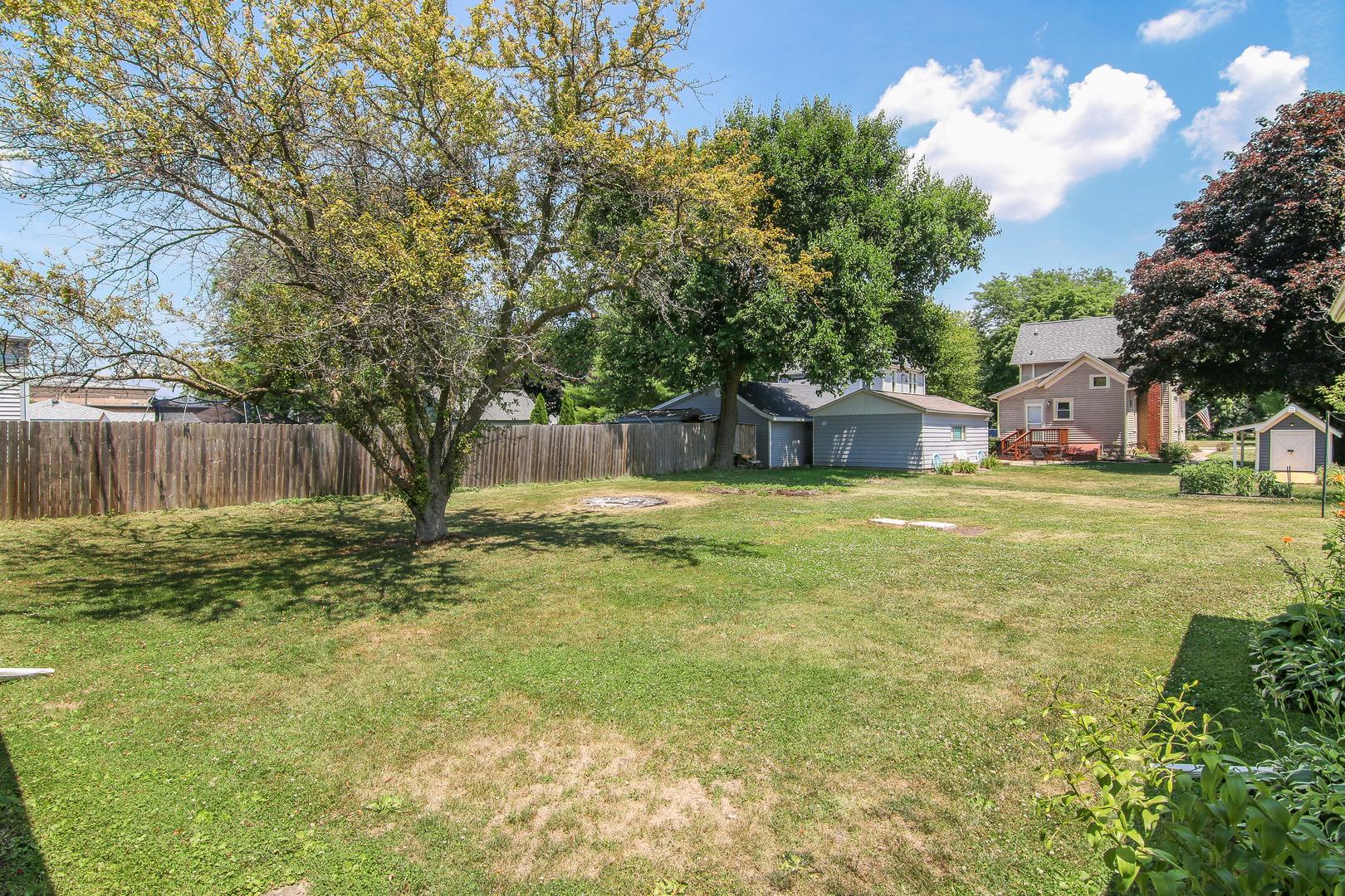255 North Liberty, Leland, Illinois, 60531