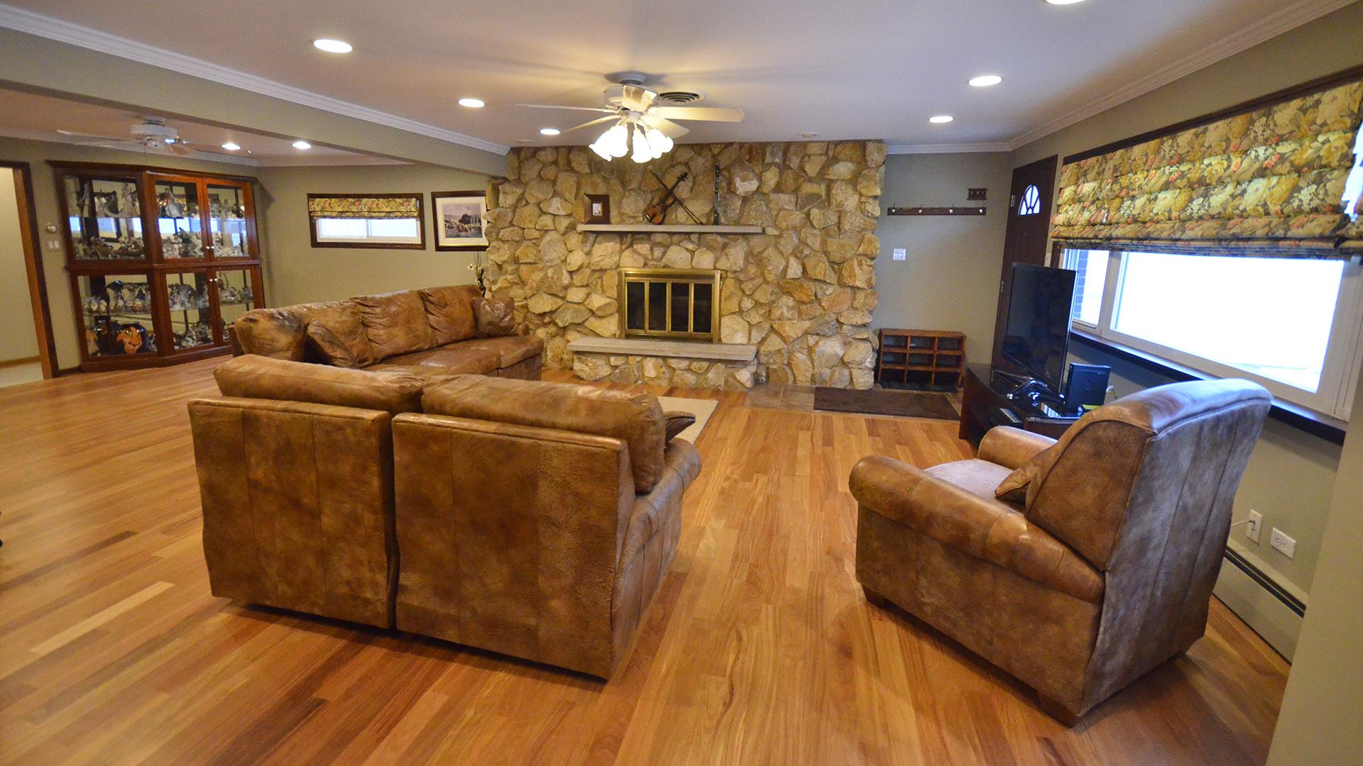 10916 South Kolmar, Oak Lawn, Illinois, 60453