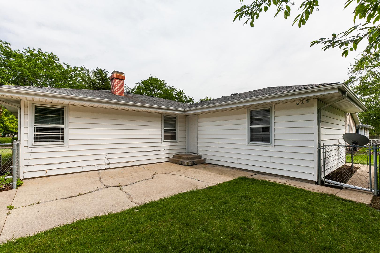 129 South Reedwood, Joliet, Illinois, 60436