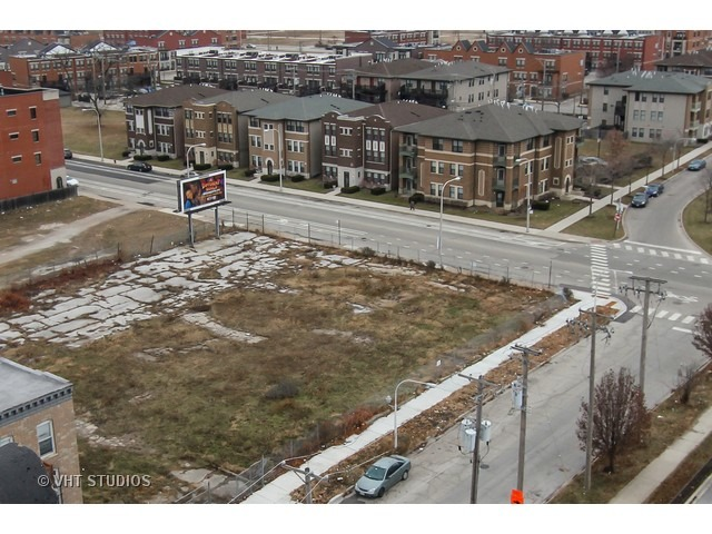 669 E Pershing Road, Chicago, IL 60653