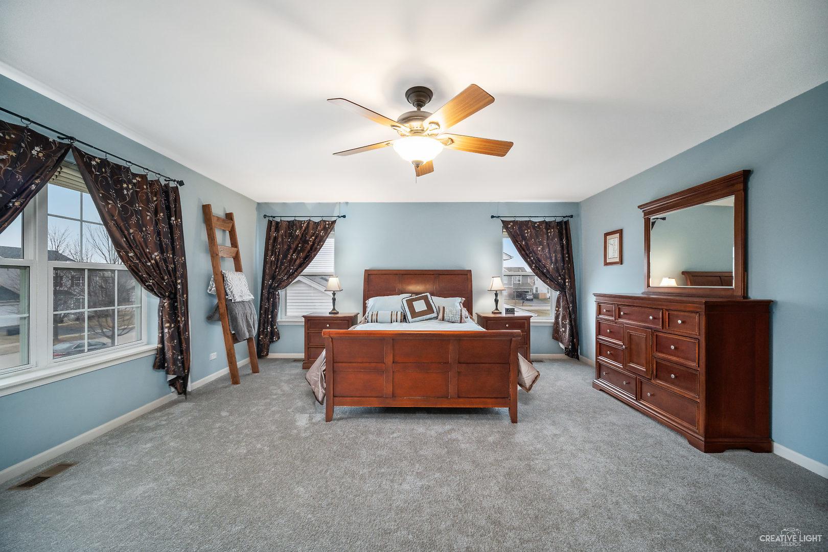744 Versailles, Oswego, Illinois, 60543