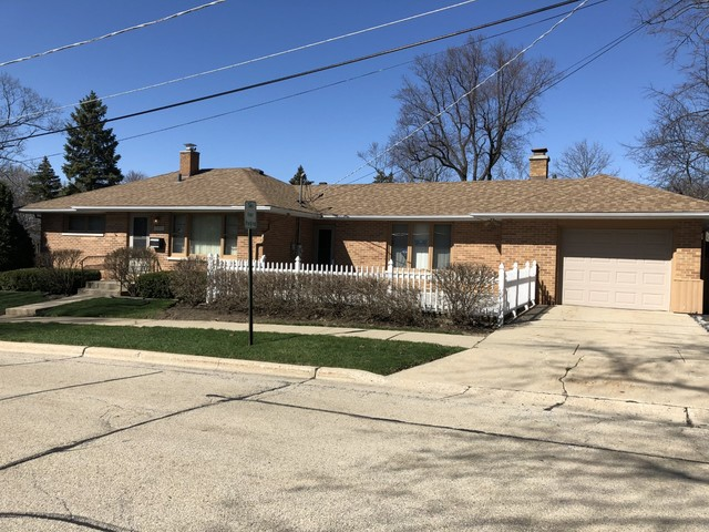 805 Bartlett Terrace, Libertyville, Illinois 60048