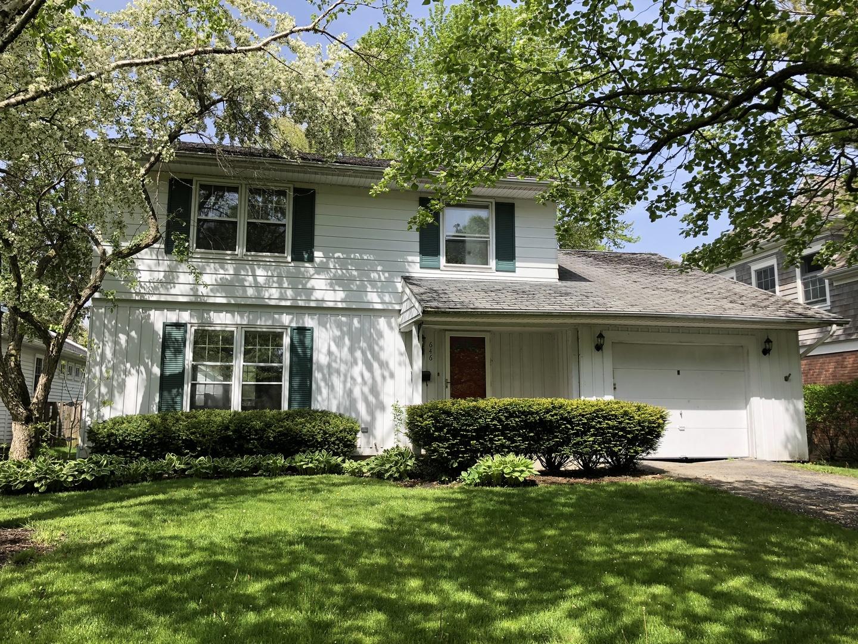 646 Mawman Avenue, Lake Bluff, Illinois 60044