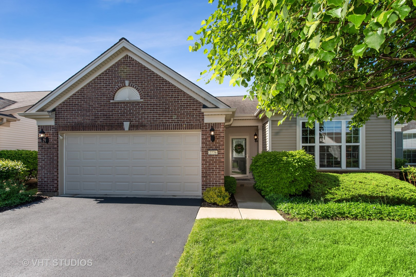 2776  Beacon Point,  ELGIN, Illinois