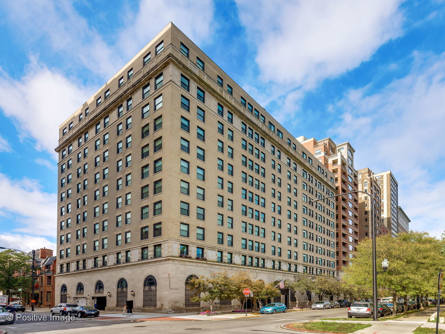 2100 N Lincoln Park West Exterior Photo