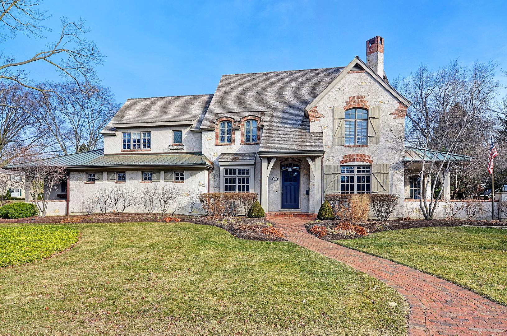 811 West Hickory Street, Hinsdale, Illinois 60521
